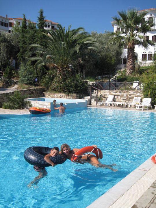 Der Pool ist cool Leda Village Resort