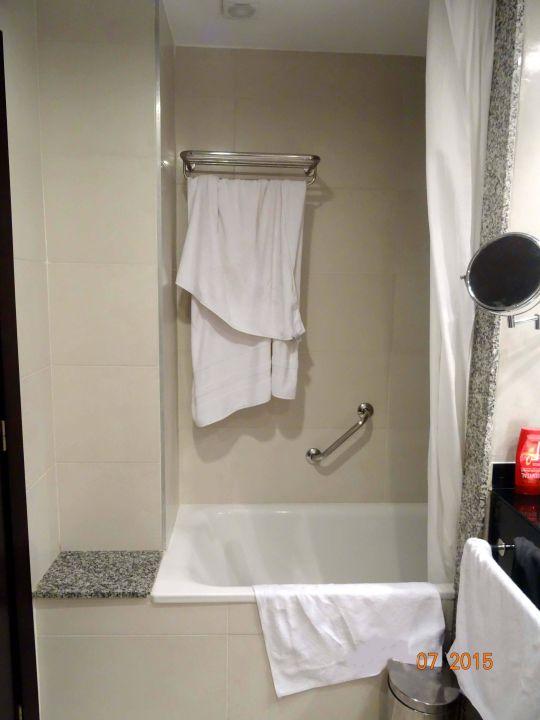 kleine dusch badewanne hipotels mediterraneo sa coma holidaycheck mallorca spanien. Black Bedroom Furniture Sets. Home Design Ideas