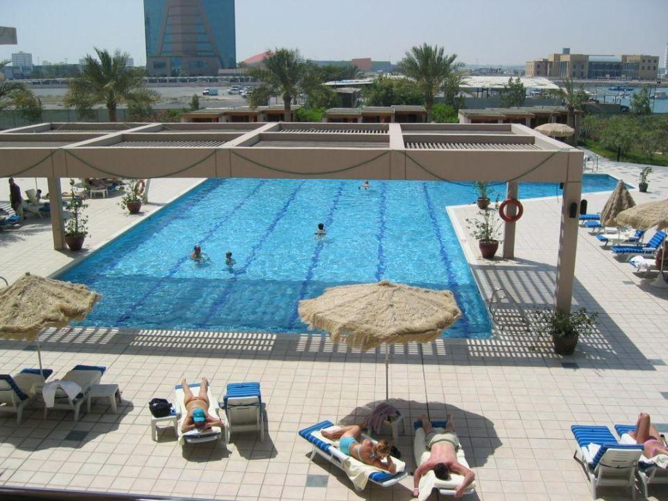 Hotelpool Hilton Garden Inn Ras Al Khaimah