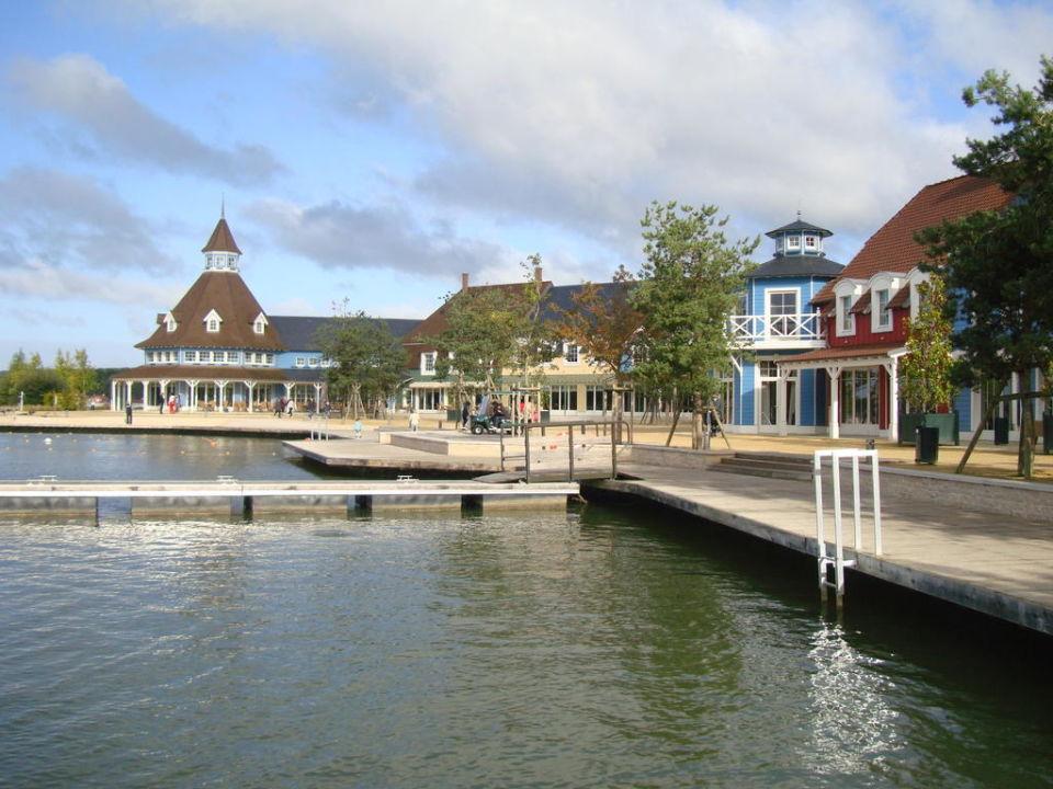 Port et differents restaurants Center Parcs Le Lac d'Ailette