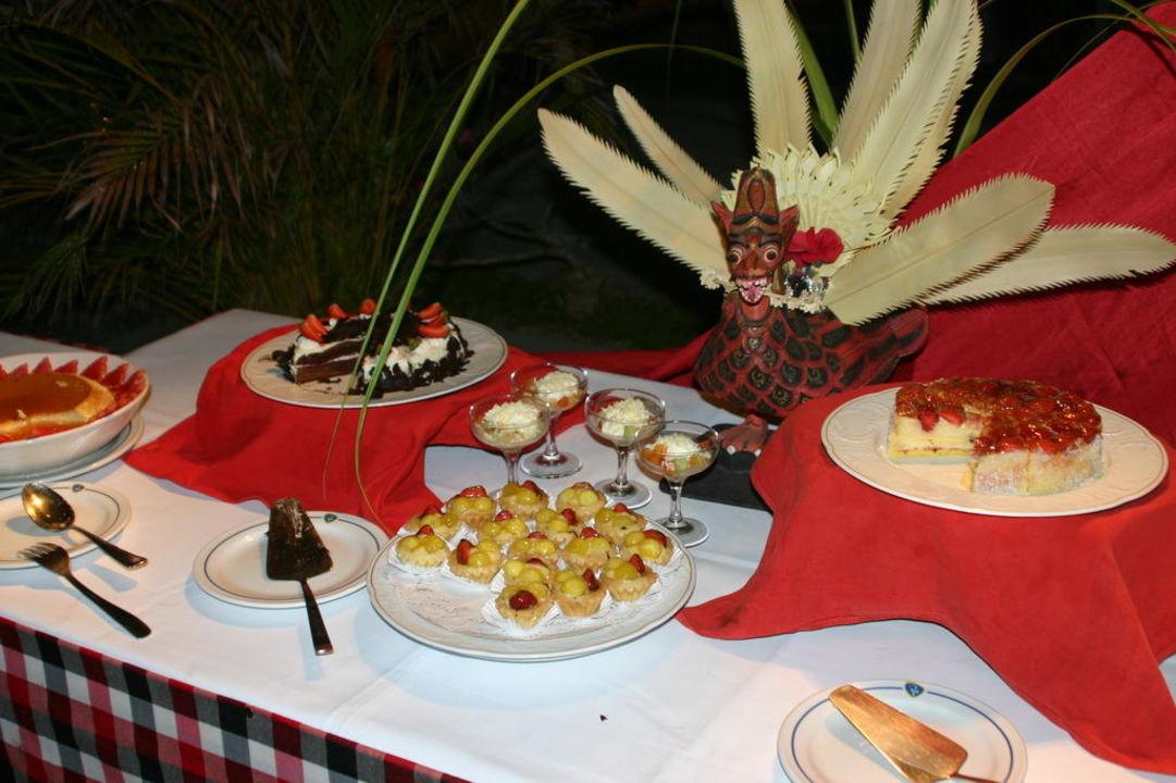 Balin. Abendbüffet Hotel Inna Putri Bali  (geschlossen)
