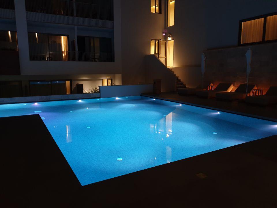 Pool Ikones Seafront Luxury Suites