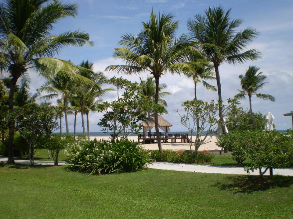 Blick zum Strand Hotel Shangri-La Rasa Ria Resort