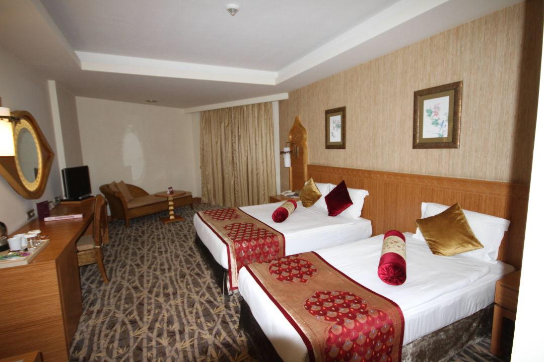 Royal Dragon Hotel Rooms
