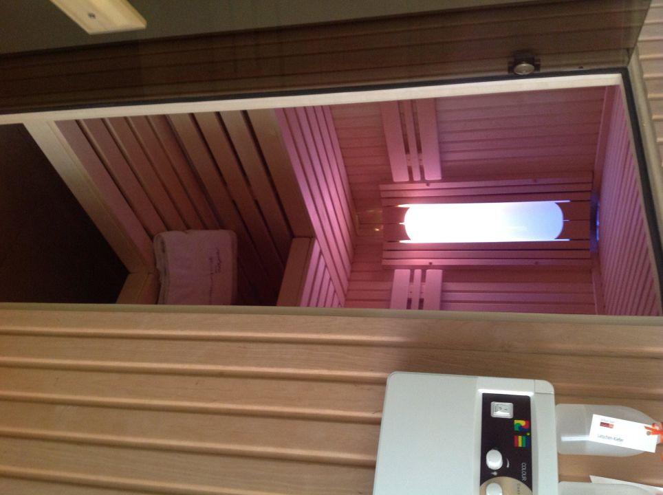 Wellness-Suite, private Sauna im Badezimmer\
