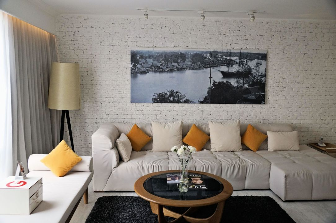 """Riesige Couch"" Pullman Bangkok Hotel G (Bangkok"