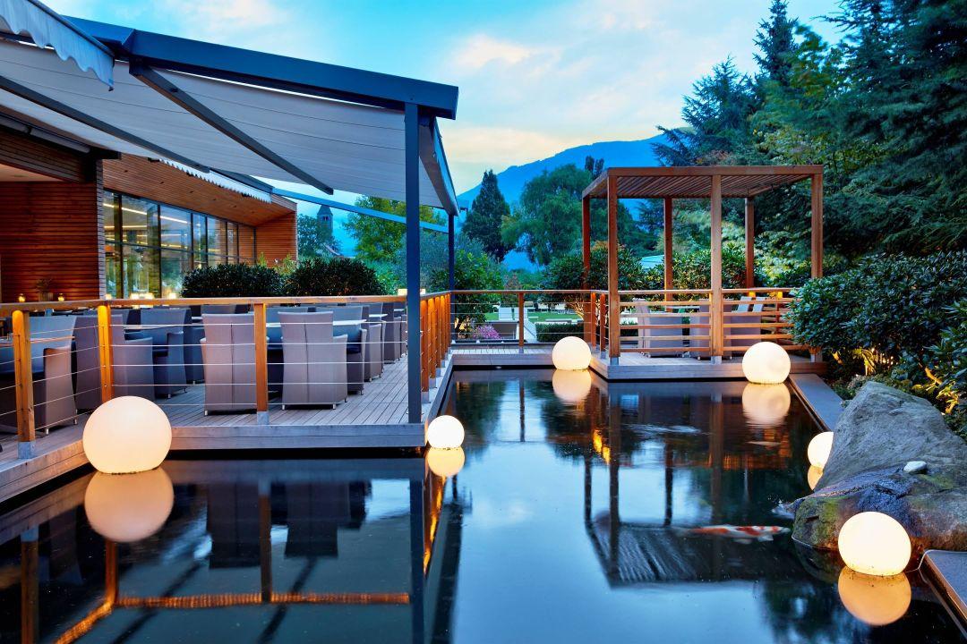 Terrasse Am Koi Teich Dolcevita Hotel Feldhof Naturno Naturns