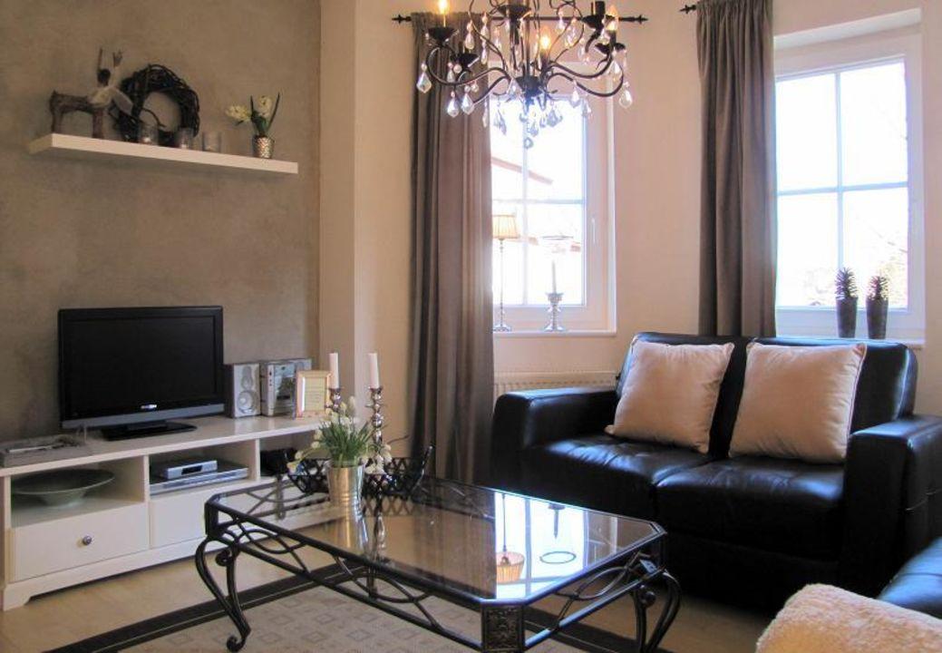 Wohnzimmer mit LCD-TV, DVD Hifi Country-Suites Landhaus Dobrick Am ...