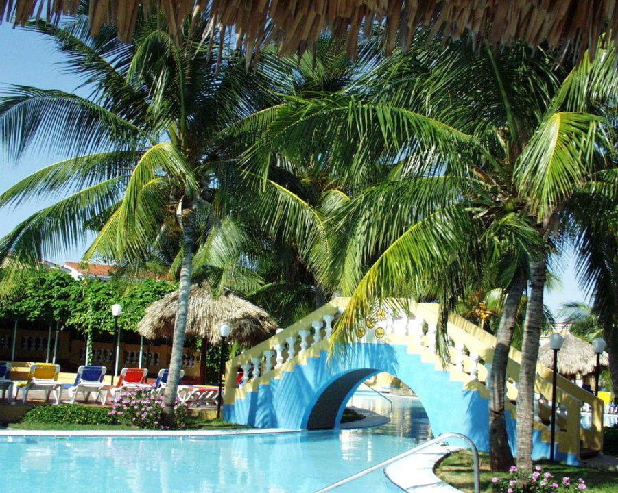 Teil der Poolanlage Brisas Trinidad del Mar Hotel