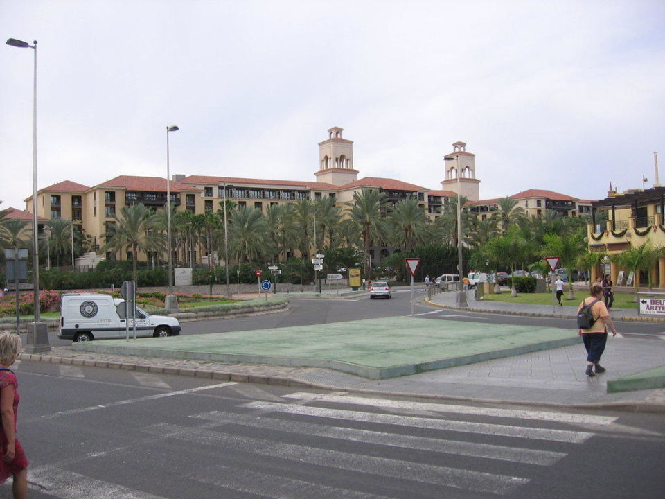 Blick vom Busbahnhof Lopesan Costa Meloneras Resort, Spa & Casino