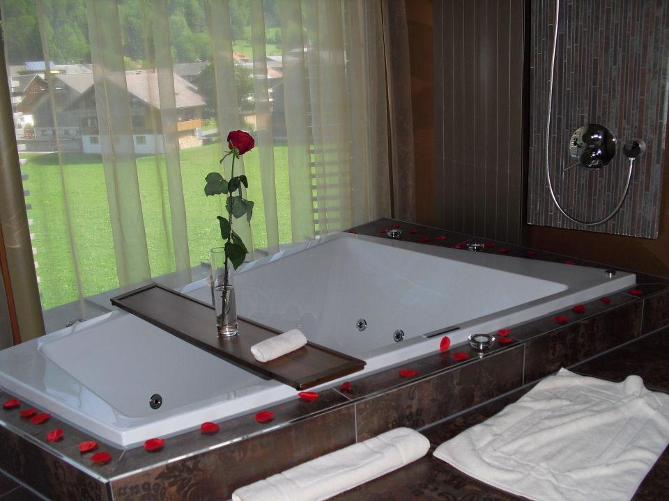 grosser whirlpool f r zwei im eigenen zimmer gams genie er kuschelhotel bezau. Black Bedroom Furniture Sets. Home Design Ideas