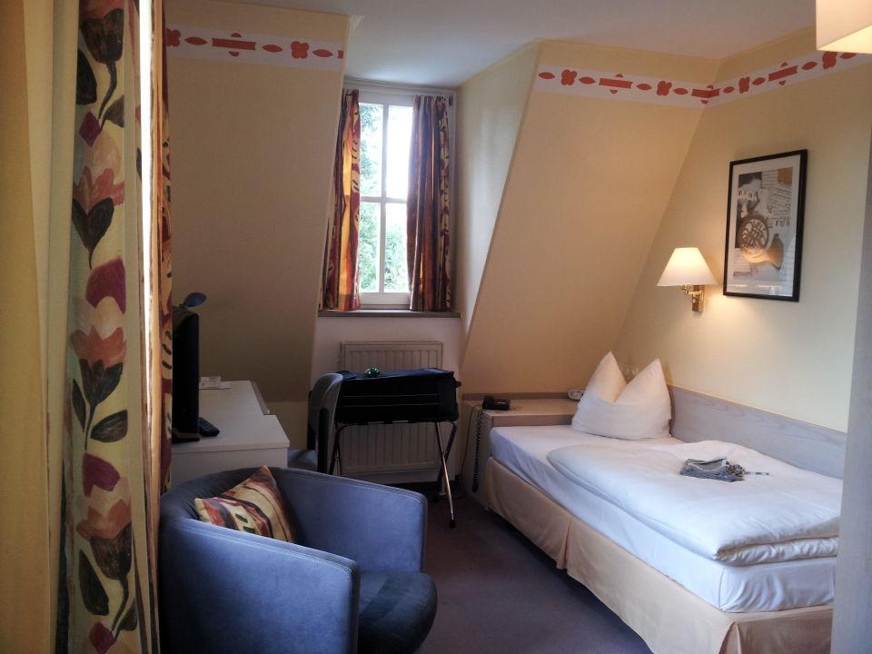 Freundliches, zweckmäßiges Einbettzimmer Hotel Lohmühle