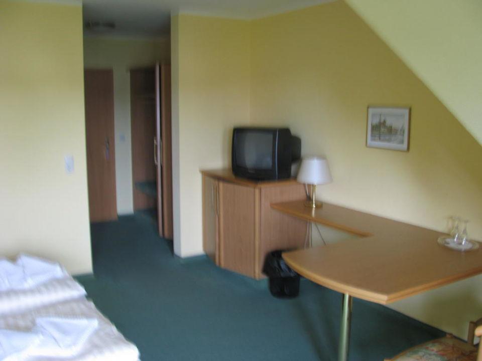 Im Zimmer, Blick zur Eingangstür Hotel Leuchtfeuer