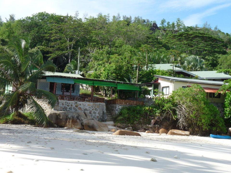Blick auf das Restaurant neben dem ASB Hotel Beachcomber Anse Soleil