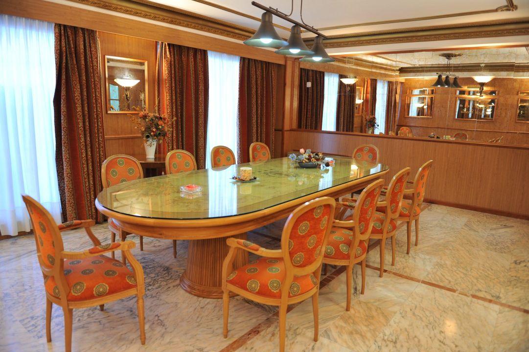 Salón Palacio Hotel Santa Cecilia