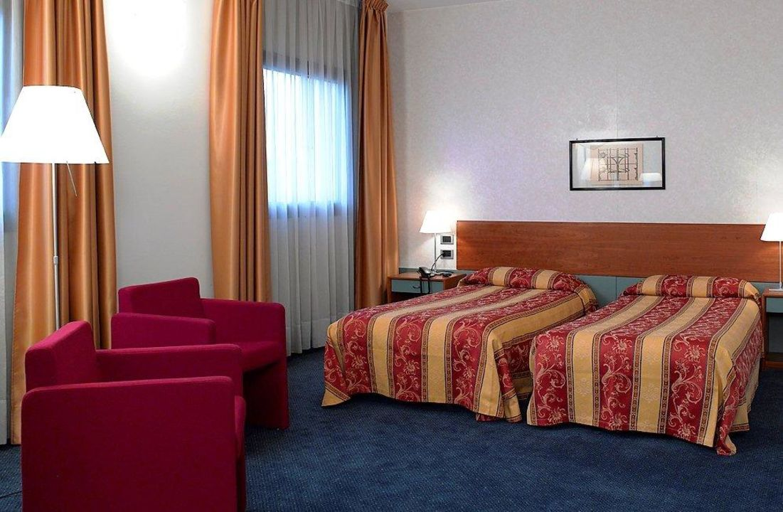 Bild twin room zu hotel filanda in cittadella for H b bedrooms oldham