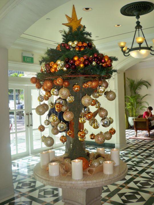 eingang mit weihnachtsdeko intercontinental singapore singapur holidaycheck central. Black Bedroom Furniture Sets. Home Design Ideas