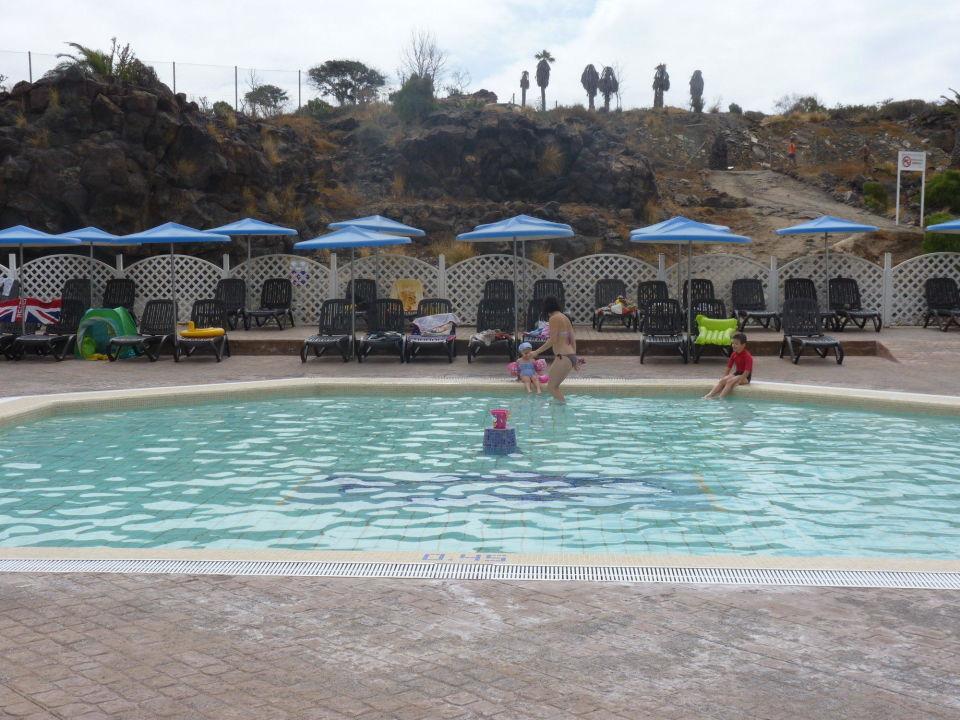 """Bild """"Salate zum Mittagsessen"""" zu Hotel Alborada Beach"""