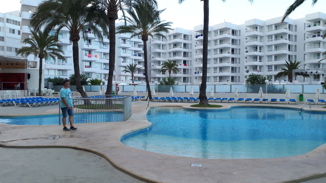 Pool Aparthotel Playa Dorada