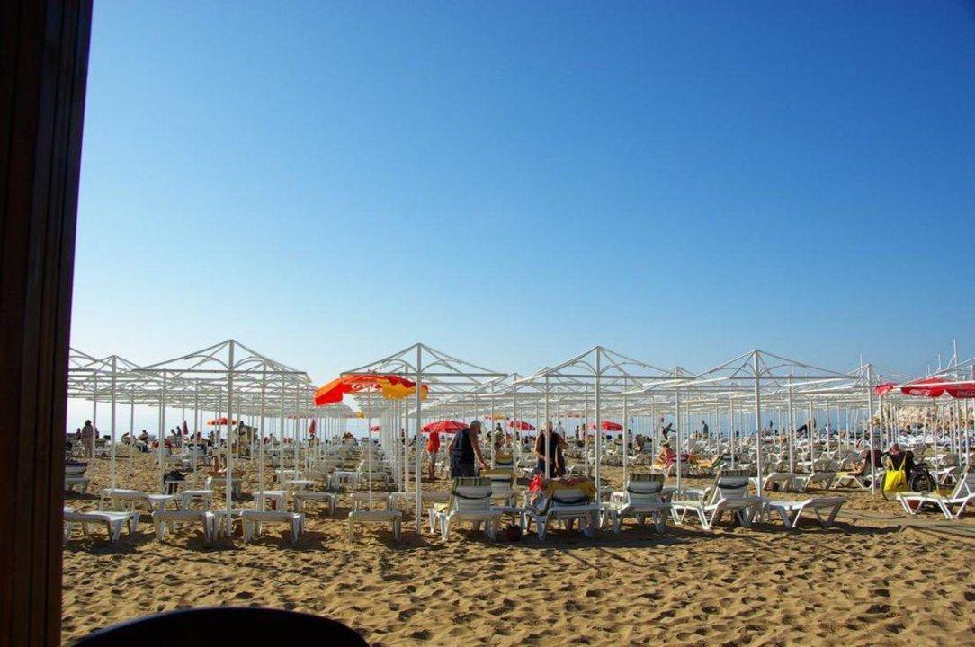 Von der Strandbar aus gesehen Aydinbey Kings Palace & Spa