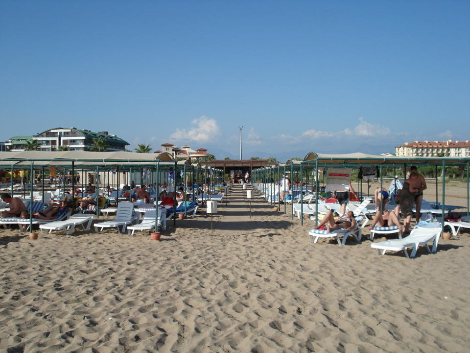 Strand vom Meer zur Bar Side Royal Paradise Hotel