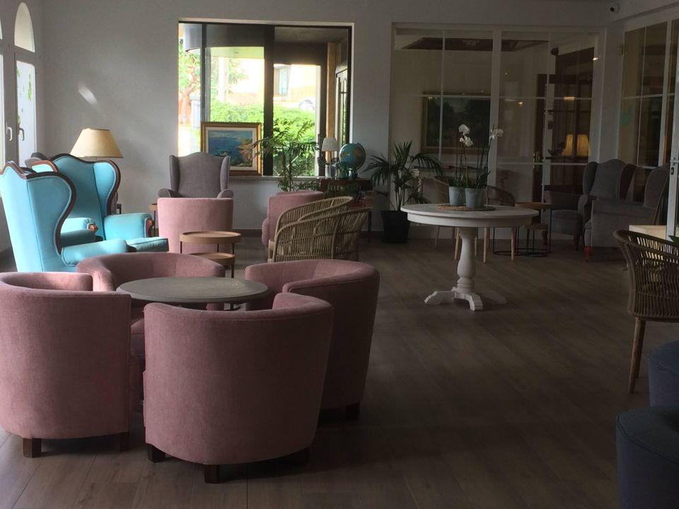 Stylische sitzgelegenheiten hotel vista odin platja de for Stylische hotels