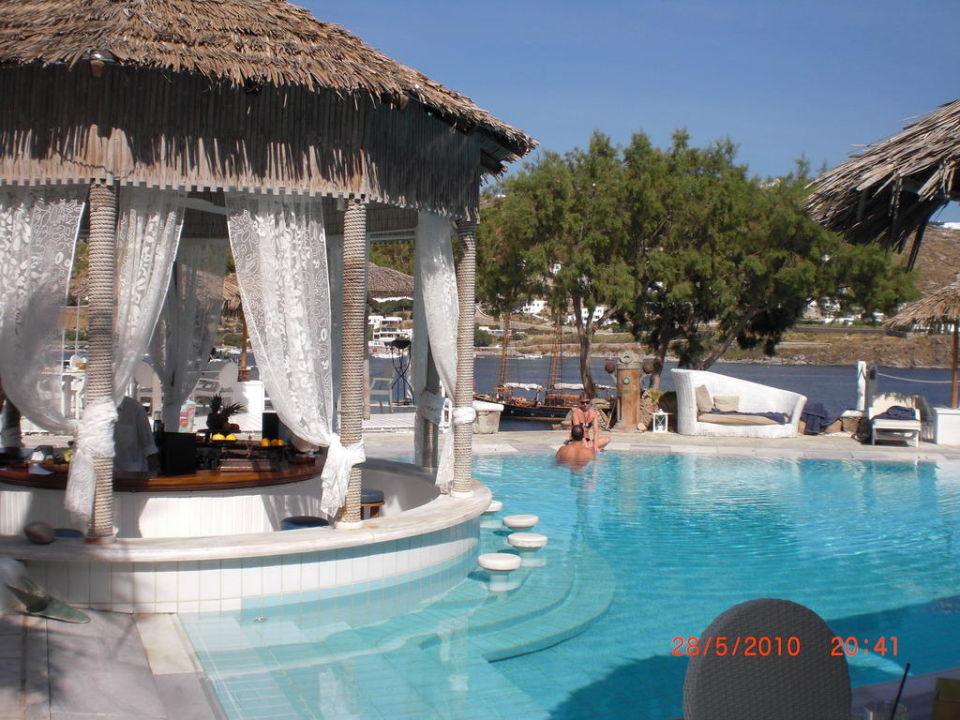 Blick zur Poolbar Hotel Kivotos