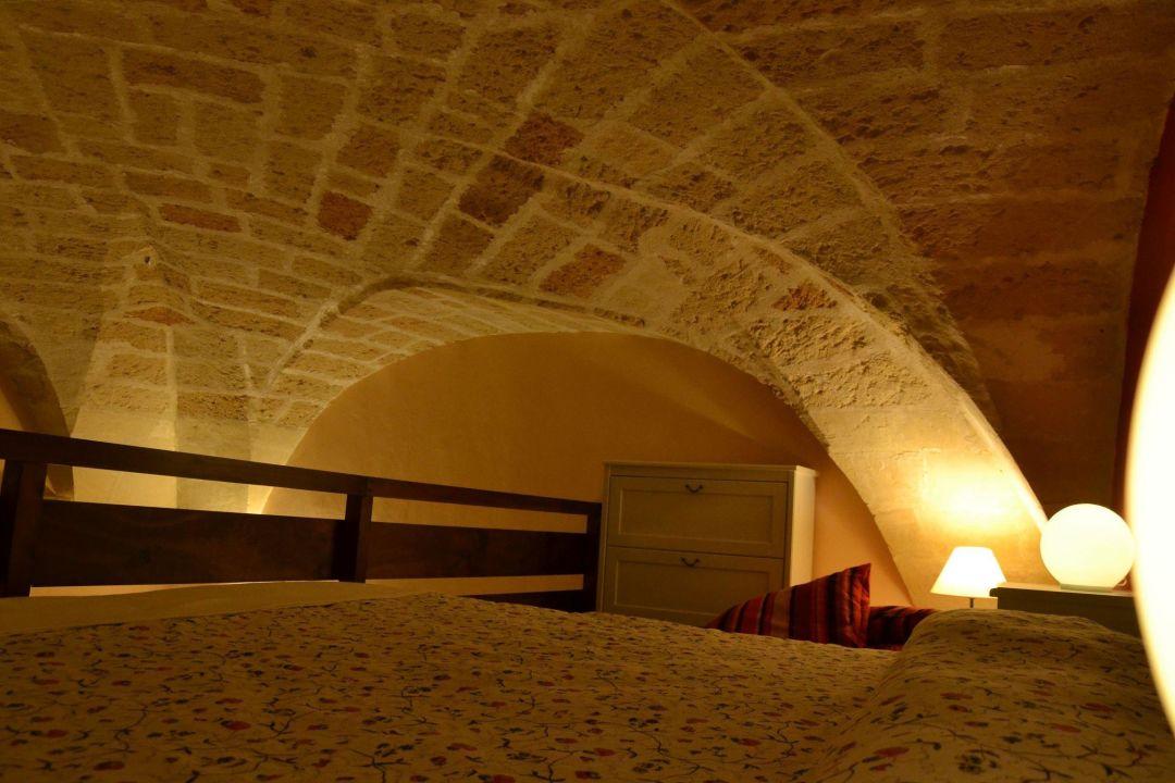 Camera da letto soppalcata\