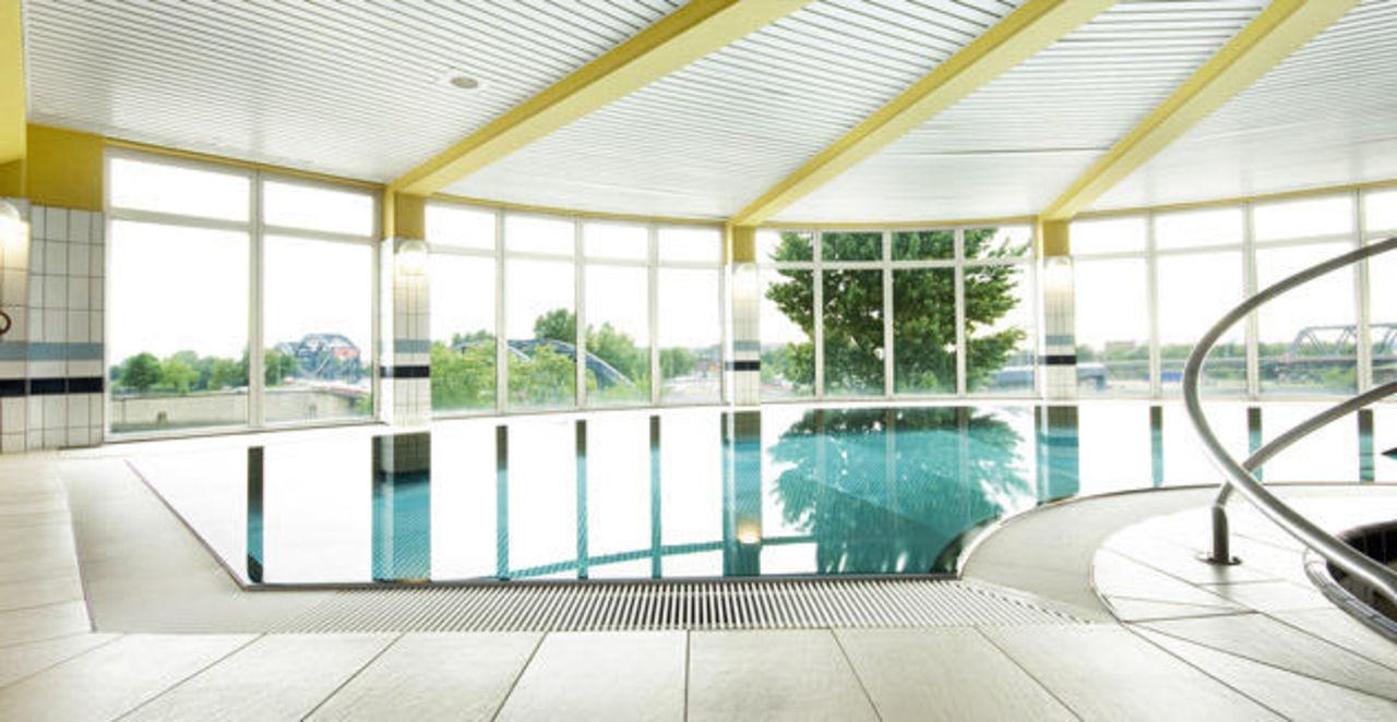 Schwimmbad Hotel Holiday Inn Hamburg