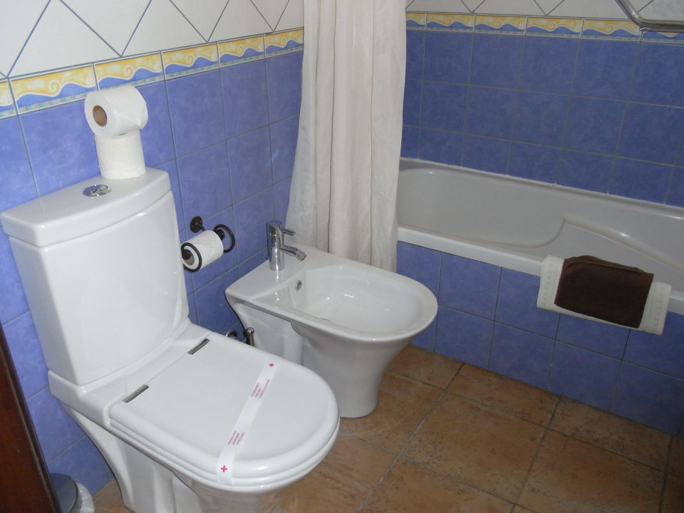 bild bad wc bidet zu quinta do mar da luz in praia. Black Bedroom Furniture Sets. Home Design Ideas