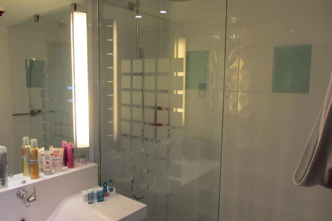 """badezimmer mit großer dusche"""" hotel novotel london paddington in, Hause ideen"""
