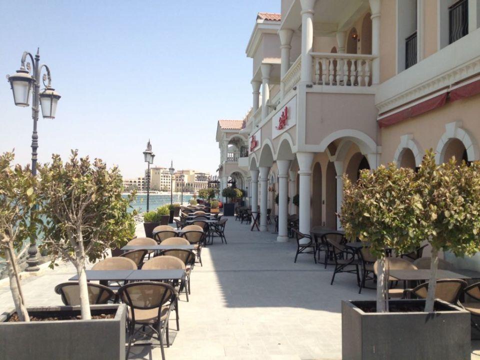 Außenansicht The Ritz-Carlton Abu Dhabi Grand Canal