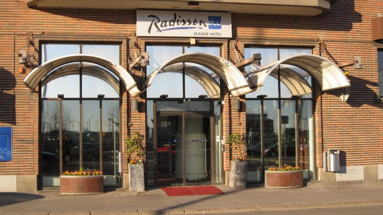 Entrance Radisson BLU Hotel Seaside