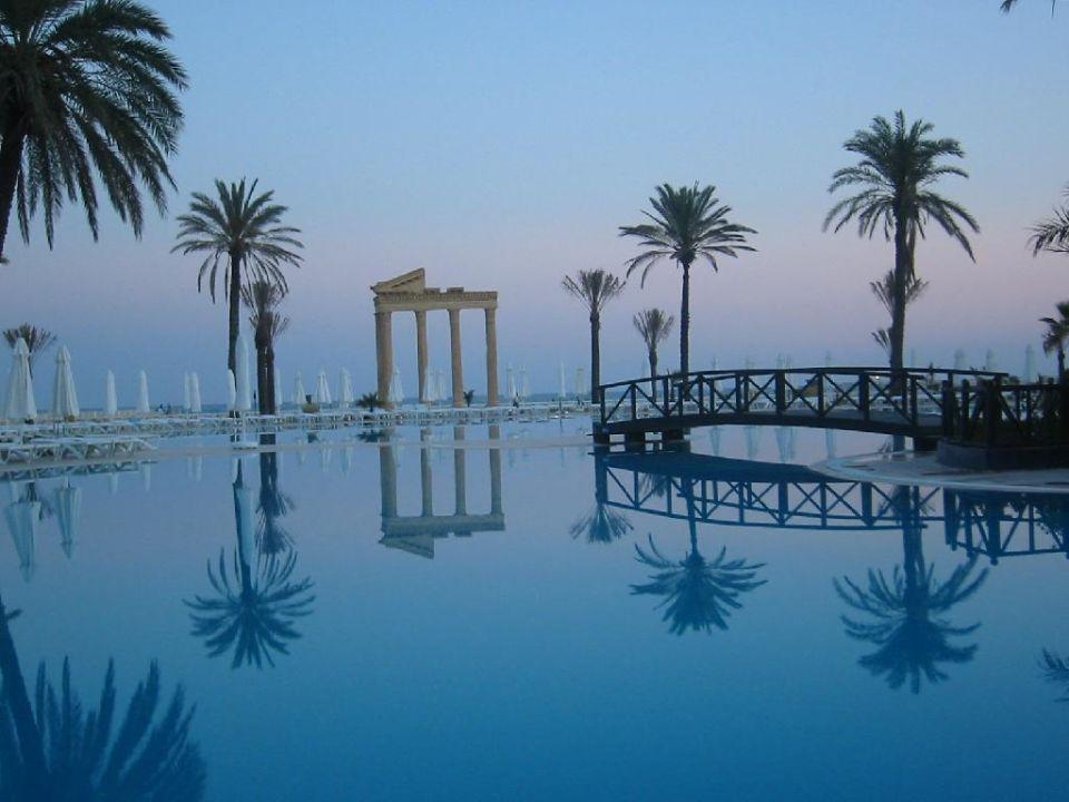 Abend-Pool Hotel Cesars Temple DeLuxe Belek