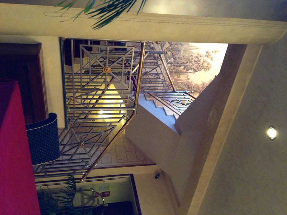 Лестница Hotel Internazionale