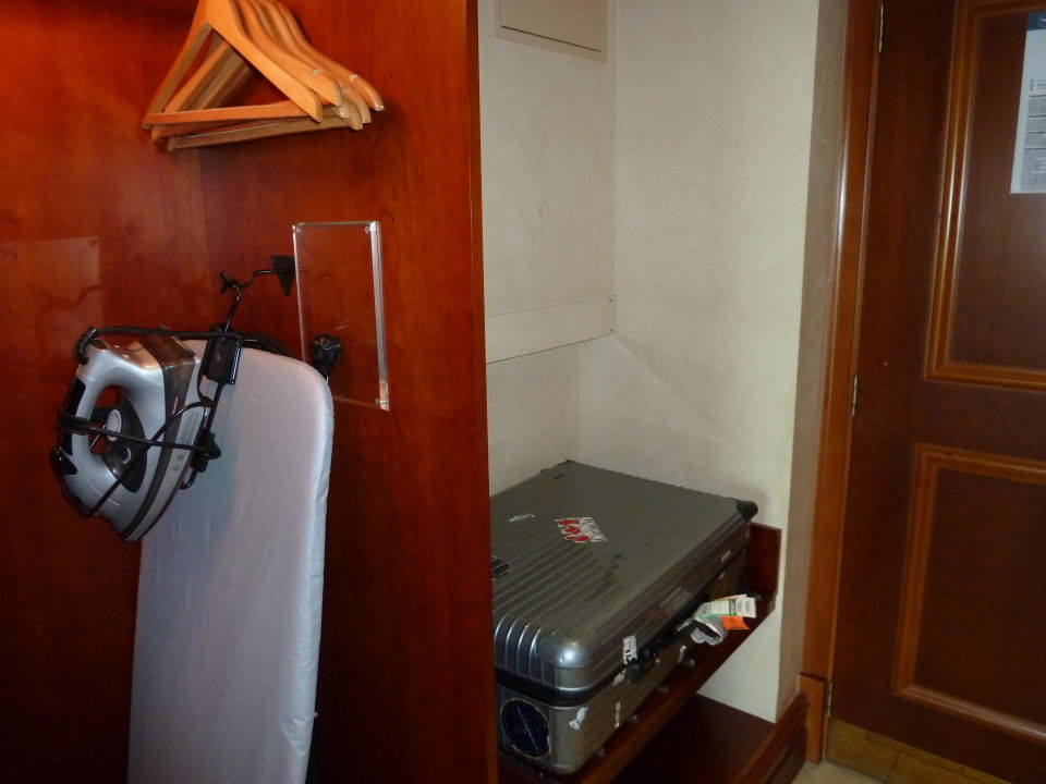 bild zimmer 411 zu hotel sheraton jumeirah beach in dubai. Black Bedroom Furniture Sets. Home Design Ideas