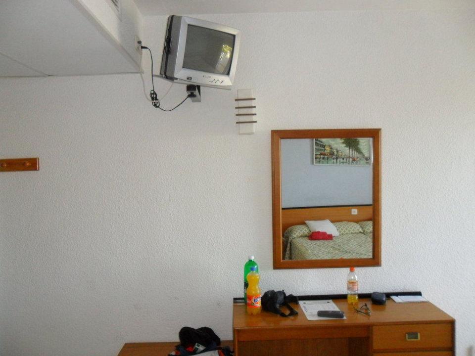 spiegel schreibtisch fernseher hotel oleander platja de palma playa de palma. Black Bedroom Furniture Sets. Home Design Ideas