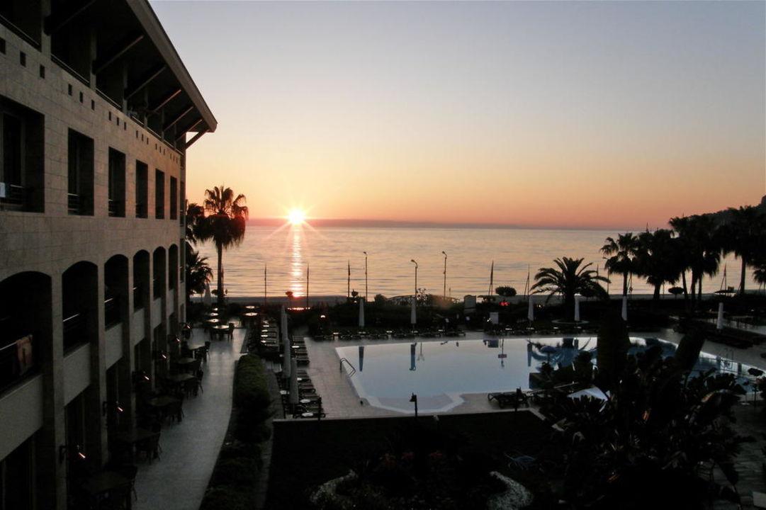 Sonnenaufgang, aufgenommen vom Hotelzimmer Fame Residence Kemer & Spa