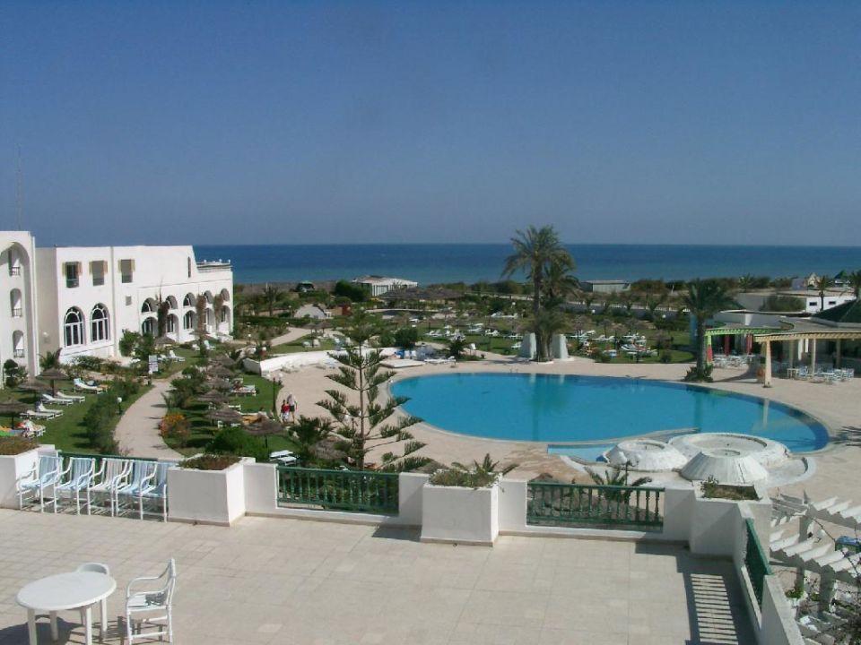 Panoramablick auf die Hotelanlage von Zimmer 242 Dessole Bella Vista Resort
