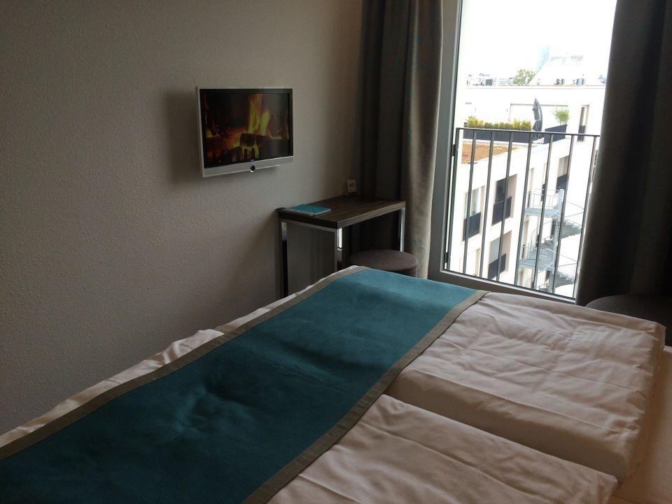 zimmer mit ausblick motel one k ln waidmarkt k ln holidaycheck nordrhein westfalen. Black Bedroom Furniture Sets. Home Design Ideas