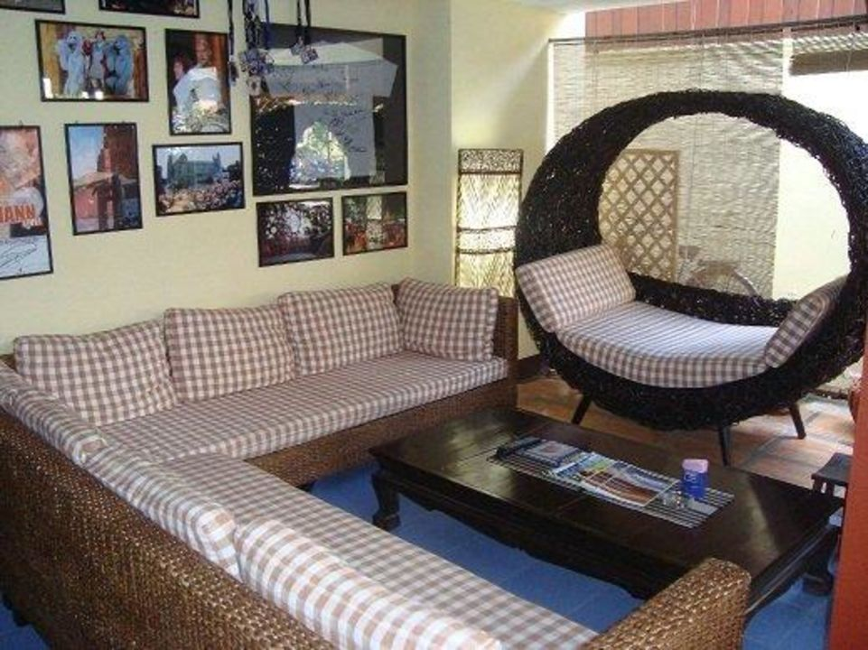 Lobby mit Flatscreen TV Thapae Gate Lodge