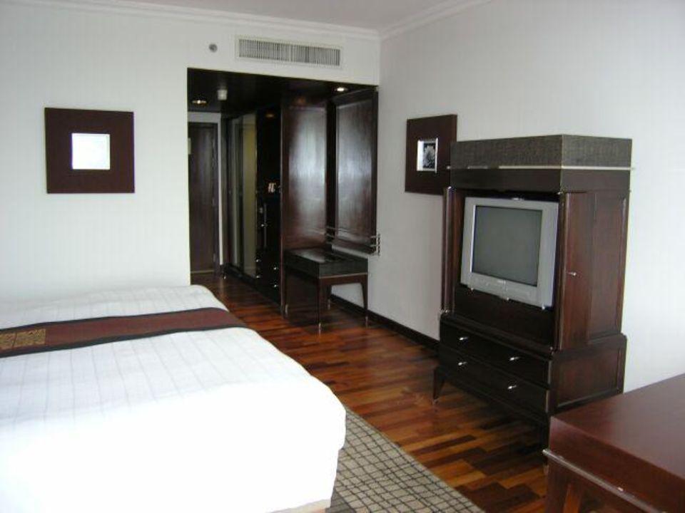 Sofitel Silom - Clubzimmer (Blick Richtung Tür) Hotel Pullman Bangkok Hotel G