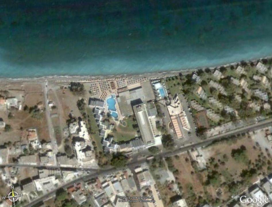 Google Earth Satelliten-Aufnahme Avra Beach Resort Hotel & Bungalows