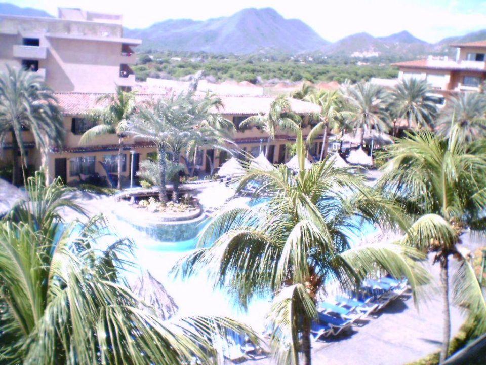 Ein Blick zum Pool Hotel Pueblo Caribe