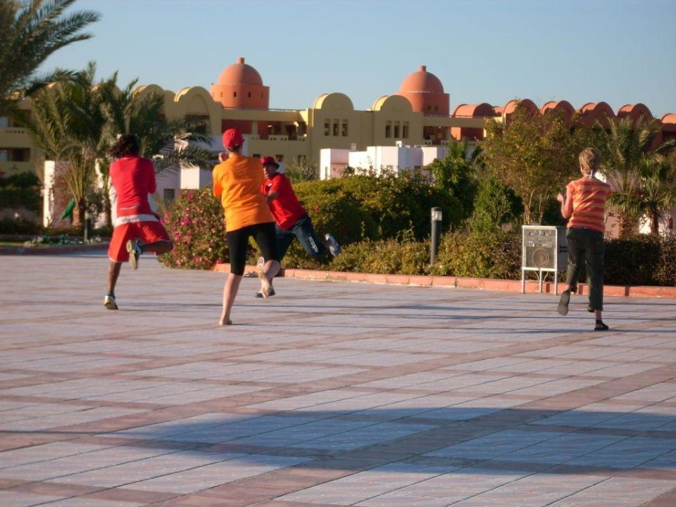 Aerobicdance am Pool Pharaoh Azur Resort