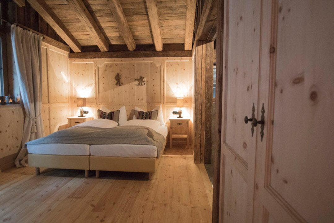 Zirbenholz-Schlafzimmer\