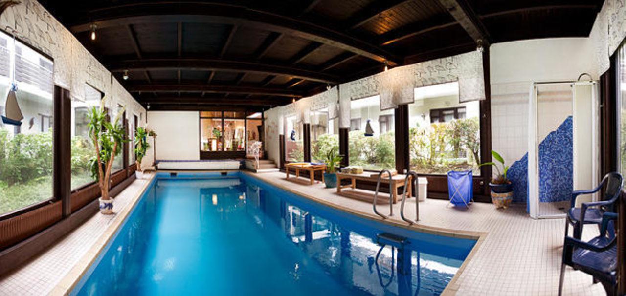 Schwimmbad mit gegenstromanlage hotel harz autel bad for Hotel harz schwimmbad
