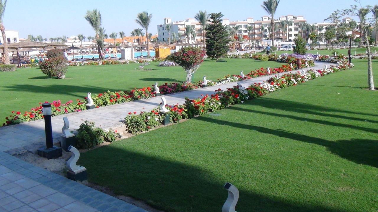 Wunderschöne Gartenanlage Dana Beach Resort