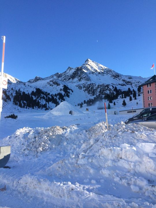 Ausblick Zum Hotel Und Iglu Alpenrose Kuhtai Holidaycheck