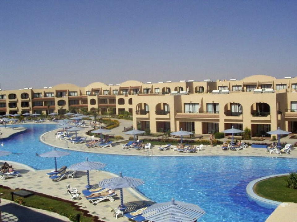 Blick von einem Hotelgebäude des Ali Baba Hotel Ali Baba Palace